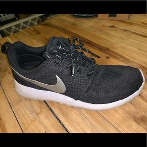 Women's Nike Roche One